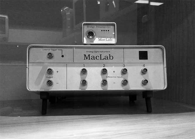 Early model MacLab